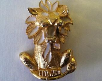 Vintage Fierce: Lion Brooch in Gold Tone and White Enamel Sale