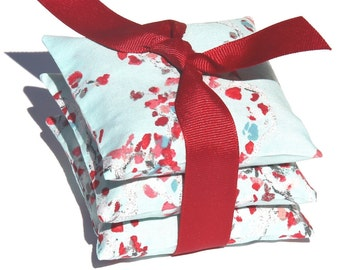 Gift for her. Wedding Favor . Bridesmaid Gift . Lavender. Chinoiserie print. Valentine's . French Lavender Sachets . light blue and red