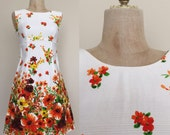 1970's Floral Print Hawaiian Vintage Shift Dress with Cape Back Sz XS Small by Maeberry Vintage