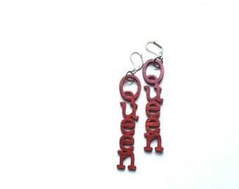 SALE// QUEEN Red wood earrings