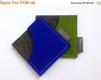 Christmas in July Sale Square Card Case in pure wool felt, business card holder, unisex accessory, eco-friendly accessory, card sleeve, mlmx