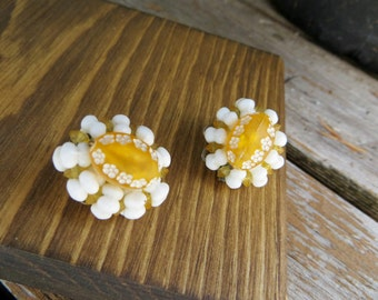 Beaded Cluster Earrings Yellow White Unique Clip on Spring Time Earrings Lucite or Acylic Beaded Vintage Earrings