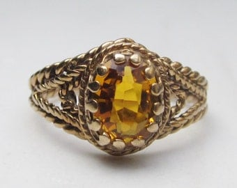 Vintage 10k Solid Yellow Gold Filigree and Orange Sapphire Alternate Engagement Ring, Size 5