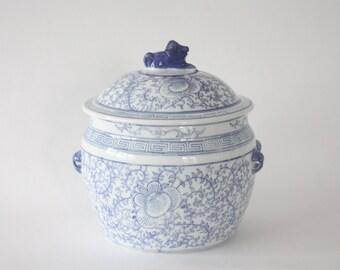 Large Vintage Blue and White Ginger Jar