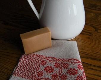 Tea Towel,  Handwoven Gourmet Towel, Beige and Red, Fingertip Towel, Guest Towel, Bath Decor, Kitchen Towel, Hand Woven Hand Towel, Weaving