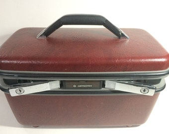 Vintage Red Maroon travel makeup train case luggage with 1 key