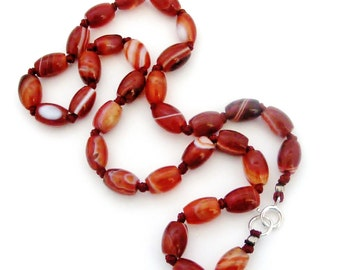 Vintage or antique banded agate carnelian beads necklace