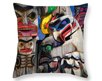 Totem Poles on Vancouver Island in the Pacific Northwest No.06 decorative novelty throw pillow Home Décor cushion cover