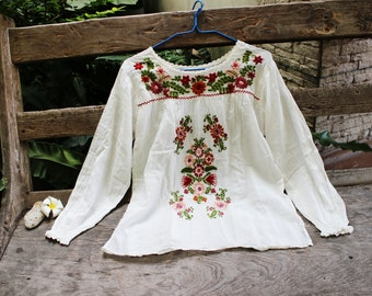 M-L Long Sleeves Bohemian Embroidered Top - Ivory