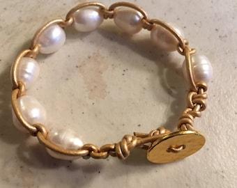 Macrame Leather Jewelry - Gold Bracelet - White Pearl Gemstones - Fashion - Trendy - Beaded - Button