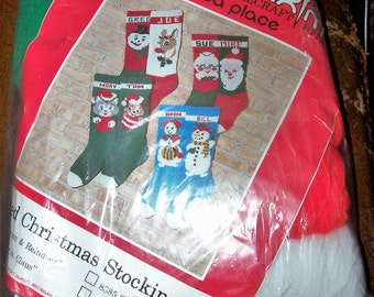 """Kit : Mary Maxim Hand Knit  Knitted Christmas Stocking  """"Mr. & Mrs. Claus""""  Unopened"""