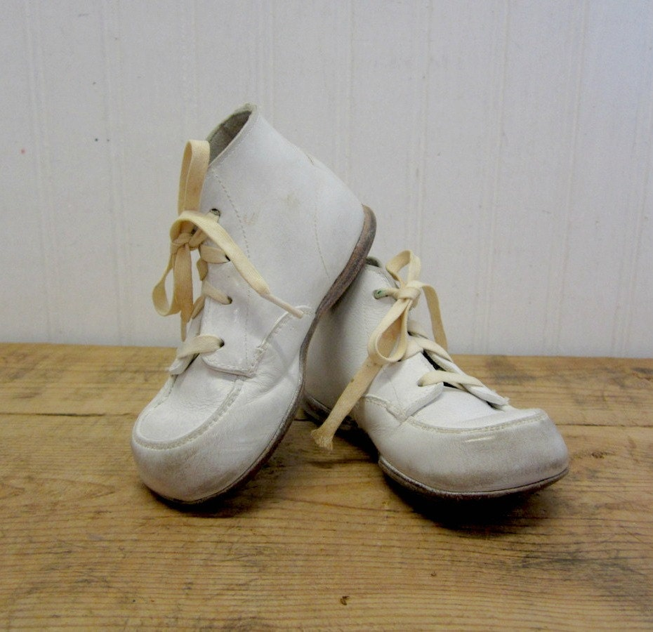 Vintage Hard Soled Stride Rite White Leather Baby Shoes