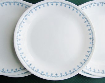 Corelle Snowflake Blue Garland 10 1/4 Inch Dinner Plates Livingware Corning Set of 5 Matches Pyrex Pattern
