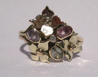 Floral cluster muted colours Hydrangea ring, white and yellow gold, set with pink and green sapphires and a diamond, a truly beautiful ring