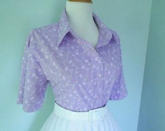 Vintage Lavendar Lilic Purple Cotton 1950s 1960s Atomic Floral Print Button Down Short Sleeve Blouse