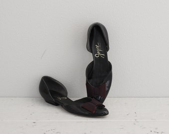 Black Pointed Toe Flats . 50s 60s Womens Flats . Vintage Flat Shoes