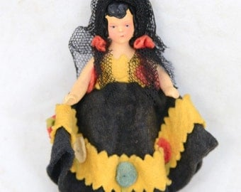 "Antique Spanish Flamenco Dressed Lace Veil Movable Arms Legs Porcelain 4"" Doll"