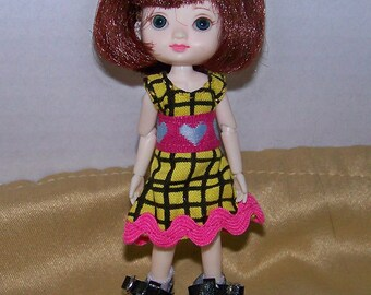 Handmade Amelia Thimble clothes - yellow dress with pink trim - Clearance