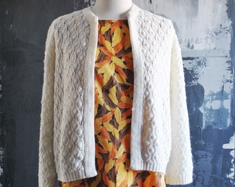 1960s Retro White Knitted Cardigan - Vintage Knit Open Cardigan