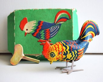Vintage Russian Wind Up Tin Toy Rooster