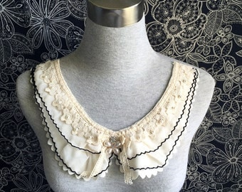 Vintage Necklace -1 pcs Light Beige Chiffon Necklace or Handmade Collar (A406)
