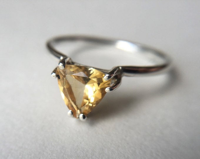 Trillioin Faceted Citrine Ring - sterling silver citrine ring - faceted citrine ring - citrine engagement ring - triangle stone ring