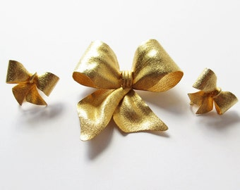 Vendome Gold Bow Pin and Earring Set Vintage Vendome Ribbon Brooch and Earrings