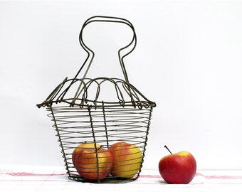 Antique French wire fruits basket, Wire egg basket