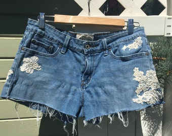 SALE! 50% OFF!  Upcycled jorts 'Lacey Dukes', cut-off denim shorts with salvaged pretty lace flowers here and there - so pretty!