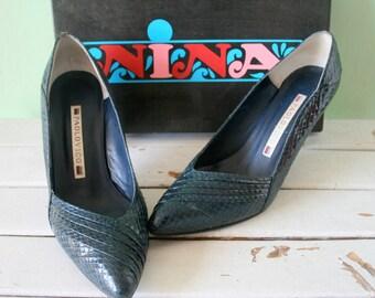 Vintage BLUE LEATHER Designer Heels....size 8.5 womens.....blue leather. designer. vintage fashion. party heels. urban. naturalizer. blue