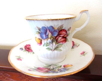 English T cup, Royal Minster T cup, English Bone China, Tea Cup & Saucer, valentine gift,  mums tea cup, grandmas tea cup, wedding T cup