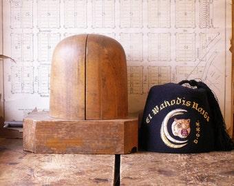 Vintage Wood Adjustable Hat Block - Hat Stretcher - Millinery Tool
