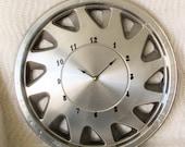 1988 - 89 - 90 Plymouth Full Wheel Hubcap Clock