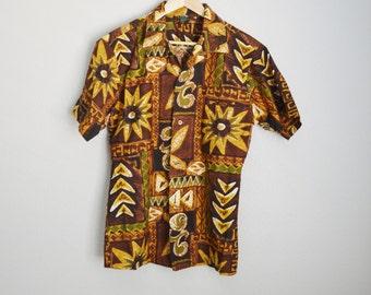 Vintage 60s 70s Hawaiian Holiday Brown Green Tan Tiki Luau Hawaiian Shirt // mens small