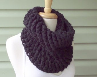 Black Winter INFINITY COWL, Chunky Cowl, Ribbed Cowl - Custom Colors - Free Shipping