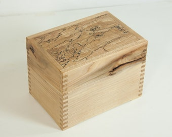 Maple recipe box with quilted, spalted lid