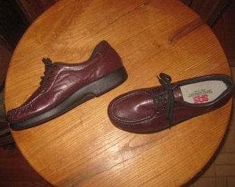 SAS   Burgundy Leather  Comfort Shoes    Made In USA    Womens  9.5  Narrow