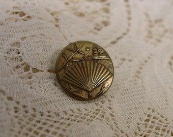"Antique Brass Button, Fan, Building, Nice Detail, 11/16"""