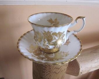Royal Albert cup and saucer, golden rose, teacups bone china