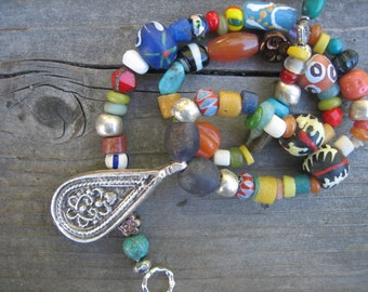 AFRICAN TRADE BEAD necklace ethnic silver pendant bright necklace