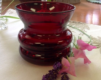"""Vintage Ruby Red Squatty Vase 4"""" wide ~ Mint condition ~ Beautiful-Reduced"""