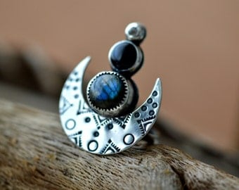Crescent moon statement ring, silver statement ring, labradorite stone ring, stamped metal