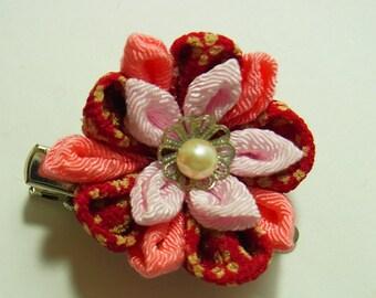 Tsumami Kanzashi flower brooch and hair clip  Kimono Chirimen crepe - AYUMI(Light pink-red)