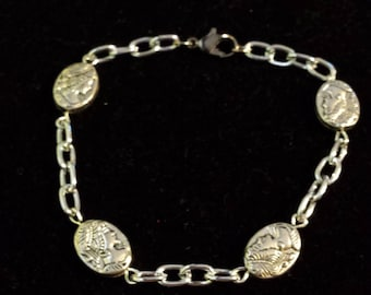 Metal Cameo Beaded Bracelet