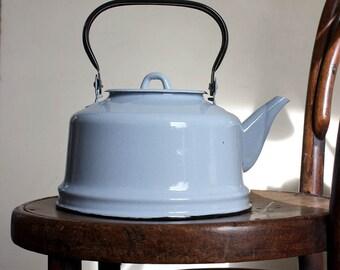 1950s Large 3L Enamelled Kettle. Light Blue. Midcentury Modern. Cute Kitchenware.