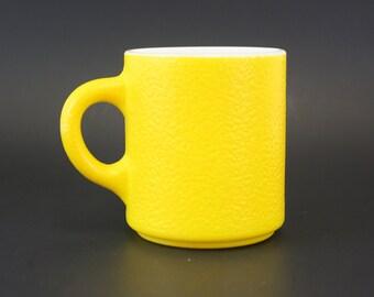 Vintage Orange Peel Textured Yellow Milk Glass Coffee Cup (E7102)