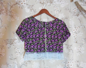 Vintage 90s Handmade Floral Crop Top with Lace Details Size Small