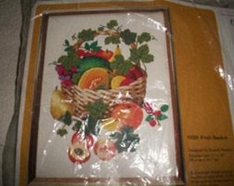 Creative Circle Fruit Basket Crewel Kit