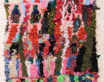 185x105 CM (6,0x3,5 feet) FREE SHIPPING worldwide  T26300 boucherouite , boucharouette,  moroccan rugs , berber rugs, morocco carpets