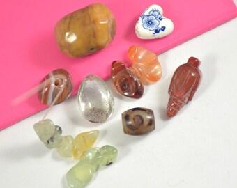 8Beads Charm Agate Beads,Jasper Beads, Agate Bead, Nugget Random Grape , Loose Gemstone beads ,Fit your Handmade Jewelry Necklace ,Pendant